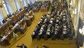 Poslanci už vyklízejí kanceláře. Pryč od žvanění a pokrytectví, zavelel Komárek