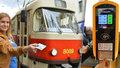 Další revoluce v dopravě vypukne za rok: Pražané budou v MHD platit kartou i přes aplikaci