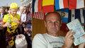 První Čech, který objel svět na kole: Dostál se před 20 lety vrátil do Prahy s 60 tisíci kilometry v nohách