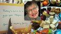 Hawkingův posmrtný dar: Legendární fyzik zaplatil hostinu pro padesát bezdomovců