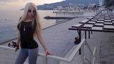 Živá Barbie z Ukrajiny podporuje Putina: Na Krymu je krásně!