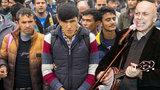 Ze starého Mládkova hitu o islámu udělali »hymnu proti uprchlíkům«! Zpěvák se hodně zlobí