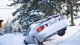 Ledovka a rozbředlý sníh: 7 rad pro bezpečné řízení na zimní silnici