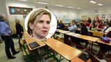 Fórum k inkluzi: Zástupci Valachové šli za učiteli, nastala mela, náměstek utekl