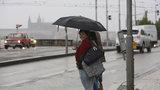 Pátek nás naladí teplem a jarem. Na víkend si ale nachystejte deštník
