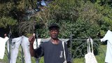 Poplach v Břeclavi: Černoch sušil prádlo na plotě kostela, považovali ho za uprchlíka