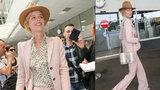 Filmový festival v Cannes: Topmodelka Herzigová po příletu pobláznila fotografy
