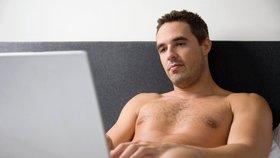 Muž si přes internet domluvil rande v Mostě, místo sexu ho ale zbili a okradli