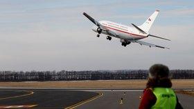 Polské letadlo muselo nouzově přistát: Na palubě měla být bomba