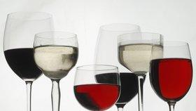 Na velikosti záleží: Sklenice na víno bývaly sedmkrát menší, méně se opíjelo