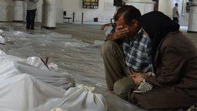 Bojovníci ISIS vtrhli do vesnice a popravili 50 lidí. Vraždili i děti