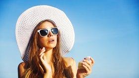 Chcete mít v létě zdravou a zářivou pokožku? Překvapivě stačí velice málo