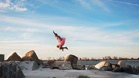 Milující manžel: V baletní sukýnce bojuje proti rakovině!