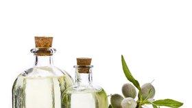 Mandlový olej: Zatočí s roztřepenými konečky i lámavými nehty!