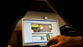 Infocentrum Prahy 7 nabízí lidem internet. Můžete tu i zdarma tisknout