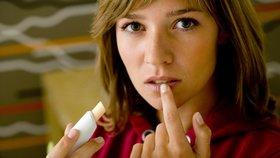 Suché, popraskané rty: Víme, jak je léčit i jak jim předcházet