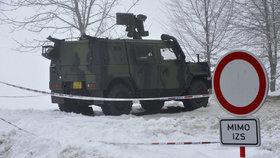 Sníh a mráz zastavil pyrotechniky ve Vrběticích. Další práce není bezpečná