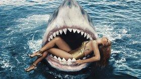 Rihanna plavala se žraloky a ti si pochvalují: Je k sežrání…
