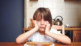 Skoro 9 % českých dětí nemá co jíst, jiné se opíjejí, zjistil průzkum