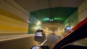 """Zavřou tunel Blanka? """"Dojet"""" může na zkušební provoz, žalob přibývá"""