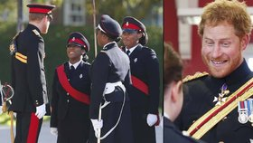 Princ Harry navštívil vojenskou školu: Vyznamenal nejlepší studenty