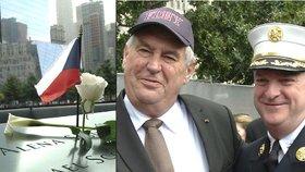 Zeman uctil památku obětí z 11. září a vžil se do kůže požárníka