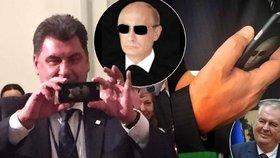 Idol Zemanova poradce? Fotografii drsného Putina nosí pořád u sebe