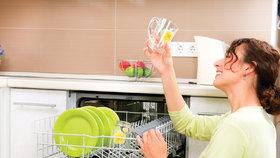 Víte, jak zajistit, aby vaše nádobí stále zářilo čistotou?