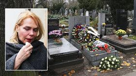 Tajný pohřeb exmanžela první dámy: Leží 100 metrů od Havla