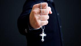 Farář sexuálně zneužil 8 dětí, které připravoval na biřmování: Dostal 10 let