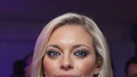 Opuštěná Lucie Borhyová (37):  Před kamerou zadržovala slzy! Co všechno se dělo skryté před diváky?