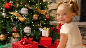 Vánoce po česku: Děti dostávají nejčastěji oblečení, na prarodiče zapomínáme