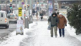 TSK v zimě uklidí víc chodníků. Přednost budou mít cesty na úřad, do škol a nemocnic