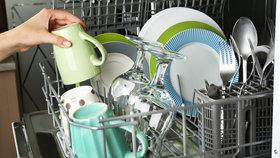 9 největších chyb při mytí nádobí v myčce