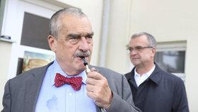 """""""Nechci ochranu před návykovými látkami."""" Schwarzenberg tepal protikuřácký zákon"""