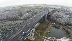 Devět z deseti lidí volá po dokončení Pražského okruhu. Chtějí i rozšířit metro