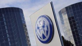 """Exmanažer Volkswagenu: Členové dozorčí rady dlouho věděli o """"cinknutých"""" emisích"""