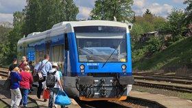 """České dráhy se """"bijí do prsou"""": Loni jelo na čas devět z deseti vlaků"""