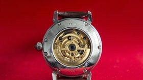 Výročí Karla IV. slaví i speciální hodinky Prim. Ve zlatě jsou za půl milionu
