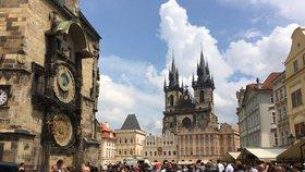 """""""Kudy do Česka? Kde má hrob Golem a kde máte moře?"""" Turisté v Praze tápou"""