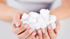 Pět věcí, které se doopravdy stanou, když přestanete jíst cukr