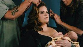 Celebrity na síti: Kojící boubelka Tess a líbání u Beckhamových