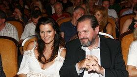 Kanec, krtek, Kokta! Manžel Ornelly slaví 60 a jeho žena mu svérázně popřála
