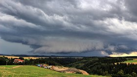Česko zasáhly silné bouřky. Kdy dorazí i k vám? Sledujte radar