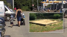 Petice za hezčí okolí: Chceme park a dětské hřiště, říkají lidé z Devonské ulice