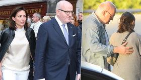 Ministr kultury Herman přistižen: Dříve měl celibát, teď má brunetku!