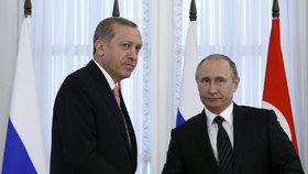 """Turci se na EU můžou také """"vykašlat"""", zmínil Erdogan. Ukázal k Rusku a Číně"""