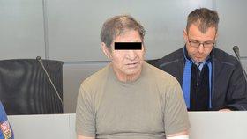 Chlípný dědeček dostal za zneužívání vnuček 7 let! Jedné z obětí byly 4 roky