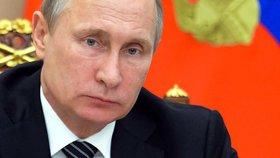 """Průnik ukrajinských vojáků na Krym? """"Kyjev se vrátil k teroru,"""" tvrdí Putin"""