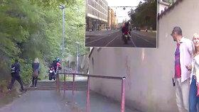 Zfetovaný motorkář ujížděl policistům směrem k vile Karla Gotta: Zasekl se na schodech